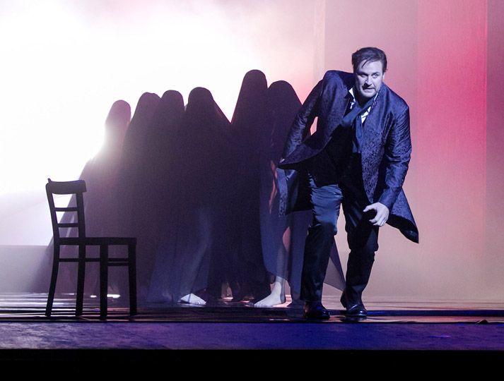 Mozarts Don Giovanni, Musikal. Ltg Omer Meir Wellber in einer Inszenierung von Andreas Kriegenburg. Semperoper Dresden, Premiere: 12. Juni 2016.