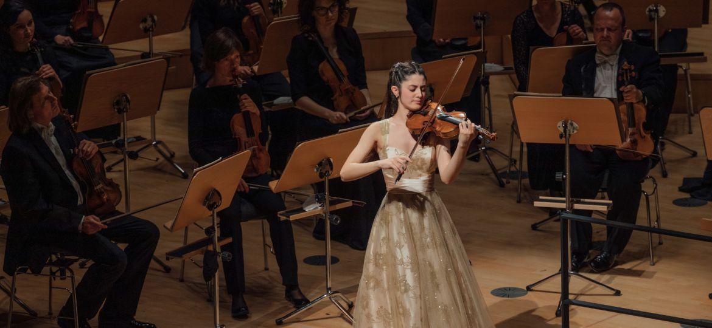 Maria Duenas und die Dresdner Philharmonie