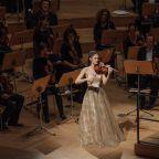 Konzert der Dresdner Philharmonie unter Dirigent Marek Janowski und der Violinistin María Dueñas am 10.09.2021 im Kulturpalast . Foto: Oliver Killig